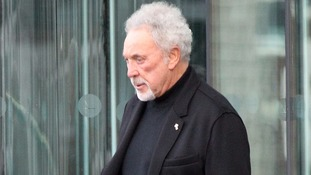 Tom Jones broke down as he discussed his wife's death