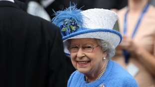 The Queen's favourite musical numbers include Formby's 'Leaning on a Lamp-post'