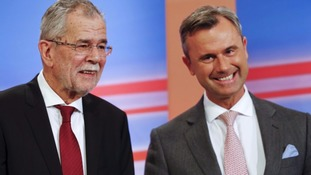 Alexander van der Bellen from the Greens (L) and his rival Norbert Hofer (R).