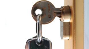 Norfolk Police are warning people to lock their doors after spate of walk-in burglaries.