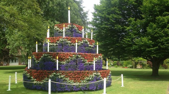 Garden centre creates giant flower cake for Queens 90th Anglia