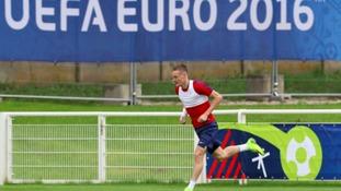 Jamie Vardy's goal brings England Wales game 1-1