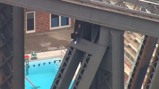 Man arrested after climbing to the top of the Sydney Harbour Bridge