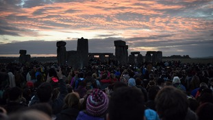 Thousands travel to Stonehenge for the summer solstice