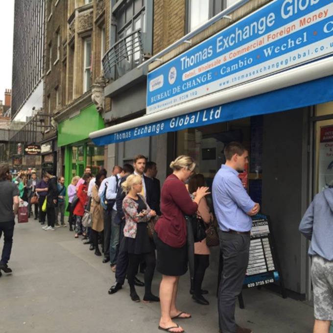 Big queues form outside Bureau de Change as EU referendum vote