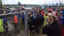 Mud delays start of music on Glastonbury stage