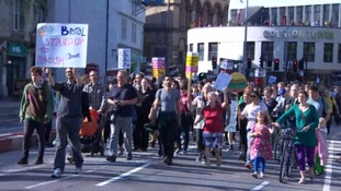 Hundreds march through Bristol after Brexit vote