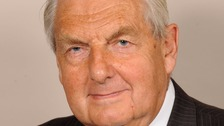 Former Conservative cabinet minister Lord Mayhew dies