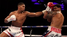 Joshua retains heavyweight title defeating Breazeale