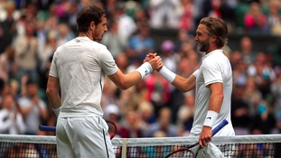 Murray begins Wimbledon challenge with Broady win