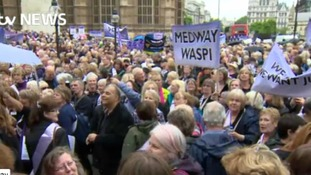 Thousands gather in London