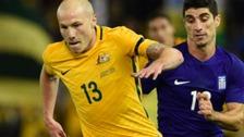 Manchester City sign Australian midfielder Aaron Mooy