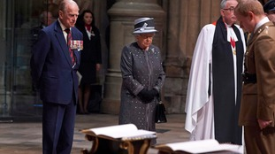 Queen leads night-long vigil to mark centenary of Battle of the Somme