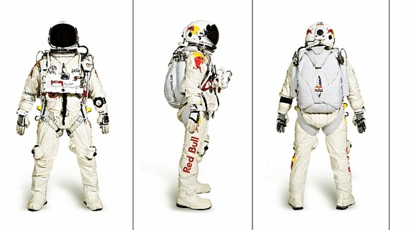 Felix Baumgartner will wear a special space suit