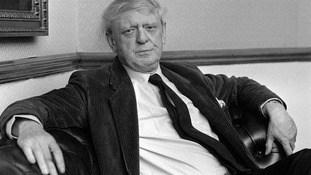 A Clockwork Orange author Anthony Burgess will be honoured with a blue plaque in Manchester