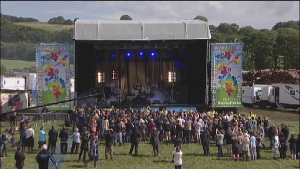 Scouting for girls delighted to finally be on emmerdale for Wallpaper emmerdale home farm