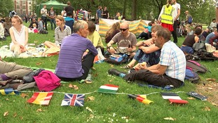 In pictures: Londoners hold 'protest' picnic against Brexit
