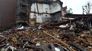 Popular London pub to be rebuilt being knocked down.