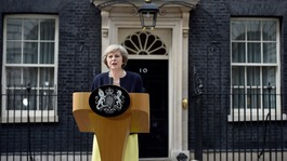 Theresa May appoints her first Cabinet as prime minister