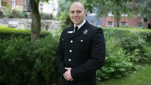 Cop who saved suicidal man gets national bravery award