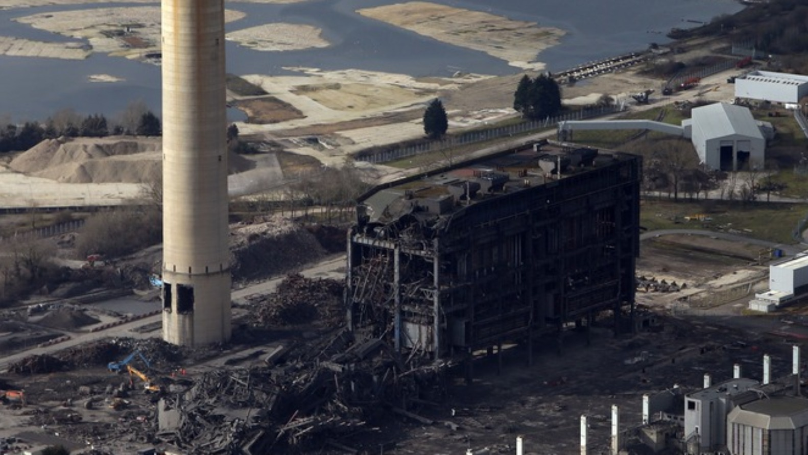 final section of didcot power station to be demolished
