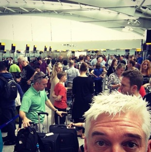 Phillip Schofield posts pictures of the queue on instagram.