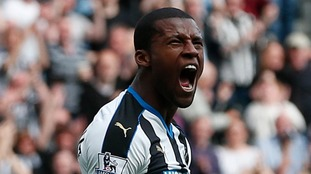 Newcastle midfielder Georginio Wijnaldum  to undergo Liverpool medical on Friday