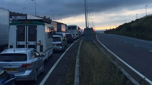 UK to help with French security checks at Dover to ease delays