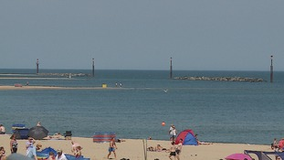 Man dies after getting caught in rip-current at Norfolk beach