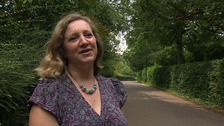 Councillor Lucy Nethsingha from Cambridge City Council says the new lampposts don't light up all of the pathway