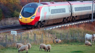 Virgin to run West Coast rail route for another few months