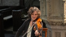Musician retrieves violin after thief tries to pawn it