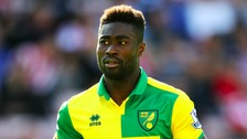 Alex Tettey has signed a new contract with Norwich City.