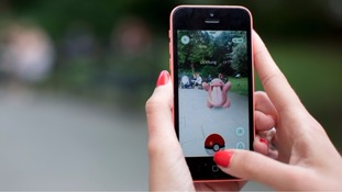 Pokemon Go users robbed at gunpoint in London park