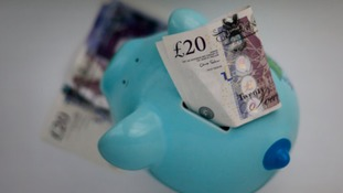 Thousands in Wales seek debt help from Citizens Advice