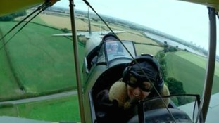 104-year-old Jack takes to the skies