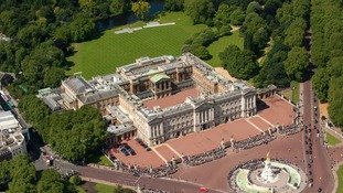 Man arrested after climbing over a security fence at Buckingham Palace