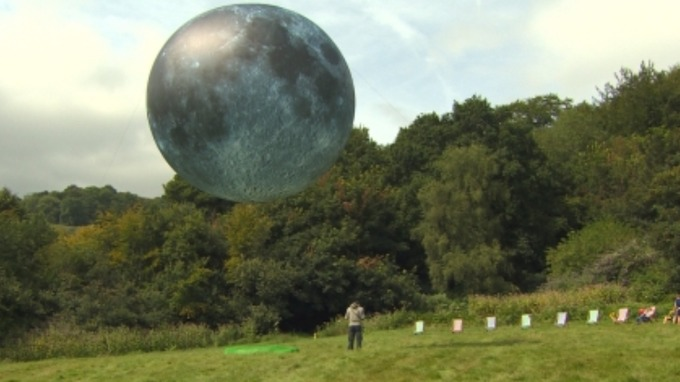 the dark side of the moon balloon bursts just hours into inflation