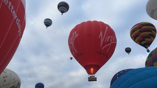 First morning mass ascent takes flight in Balloon Fiesta