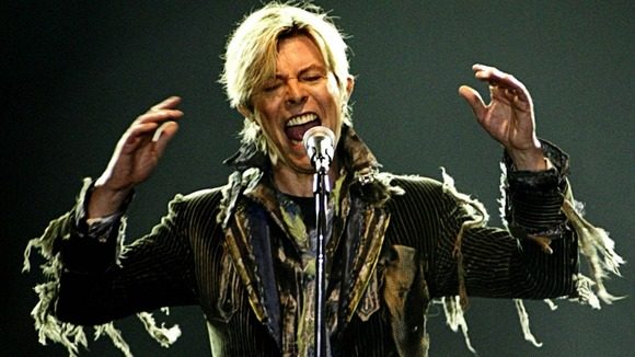 A plaque is to be unveiled in honour of David Bowie&#x27;s aleter ego Ziggy Stardust