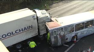 Lorry crash, M5
