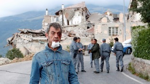 Italy earthquake: Tremors disrupt rescue efforts