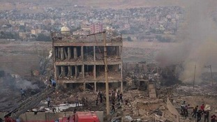 A bomb blast in Cizre, a Turkish town close to the borders of both Syria and Iraq has killed at least nine.