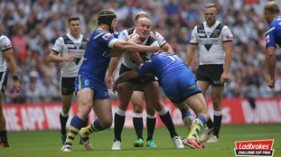 Challenge Cup final Hull FC v Warrington half time match report