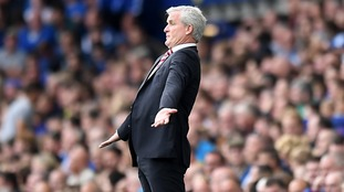 Mark Hughes complains about refereeing treatment