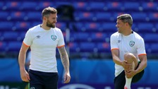 Daryl Murphy (L) training for Euro 2016