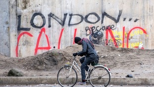 Calais chief says migrants should be allowed to seek UK asylum in France