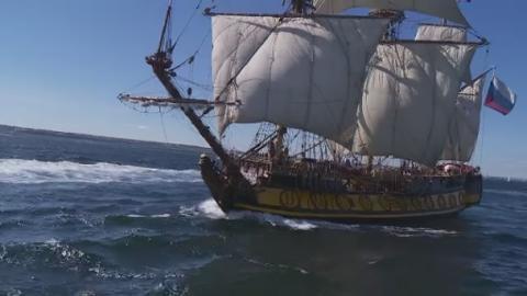 ships_from_sea_web