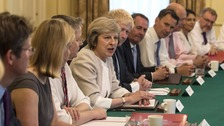 May to meet Cabinet at Chequers to discuss Brexit