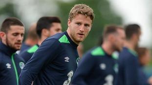 Leeds sign Eunan O'Kane